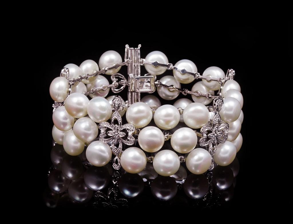 Riviera Luxury Pearl Bracelet